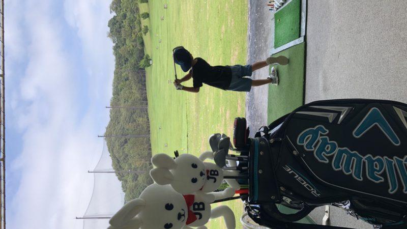 息子とゴルフ